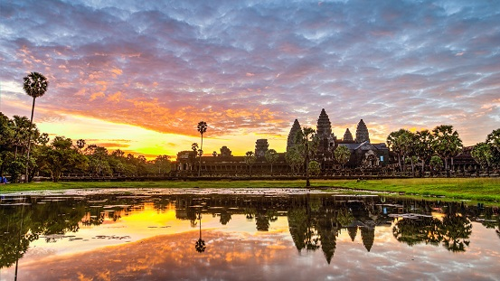 why-visit-cambodia-angkor-complex